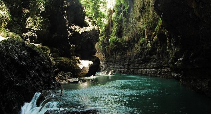 Batuan Stalaktit Green Canyon