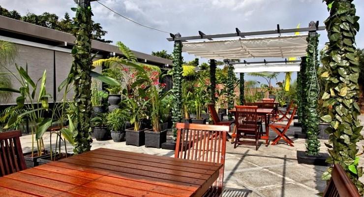 Salah Satu Spot Romantis Di The Valley Bistro Cafe & Resort Hotel